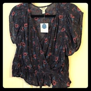 🌺 Cute Arizona Jeans Floral Crop Top/Blouse 🌺